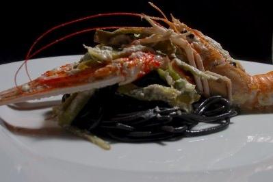 Spaghetti al nero di sepia from Romita of Naples